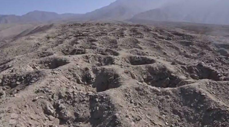 Tajemný pás děr vperuánské poušti