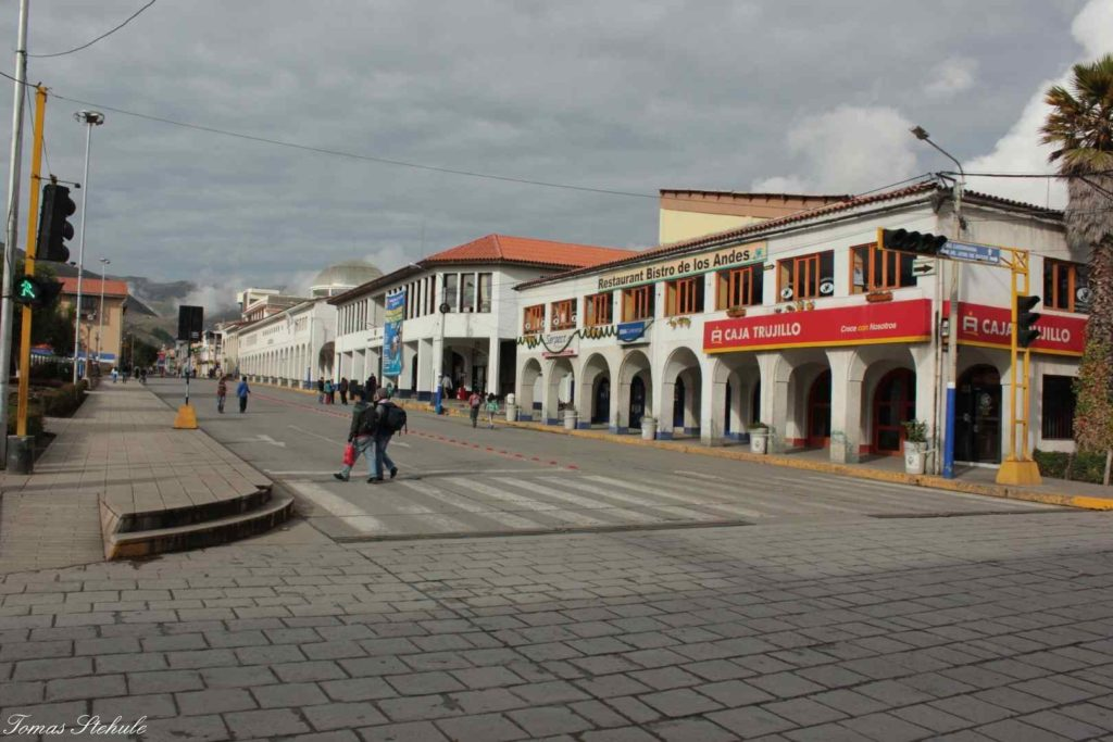 Huaraz a jeho denní kolorit. Foto: T. Stěhule