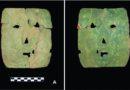 Přepíše nález kovové masky učebnice dějepisu?
